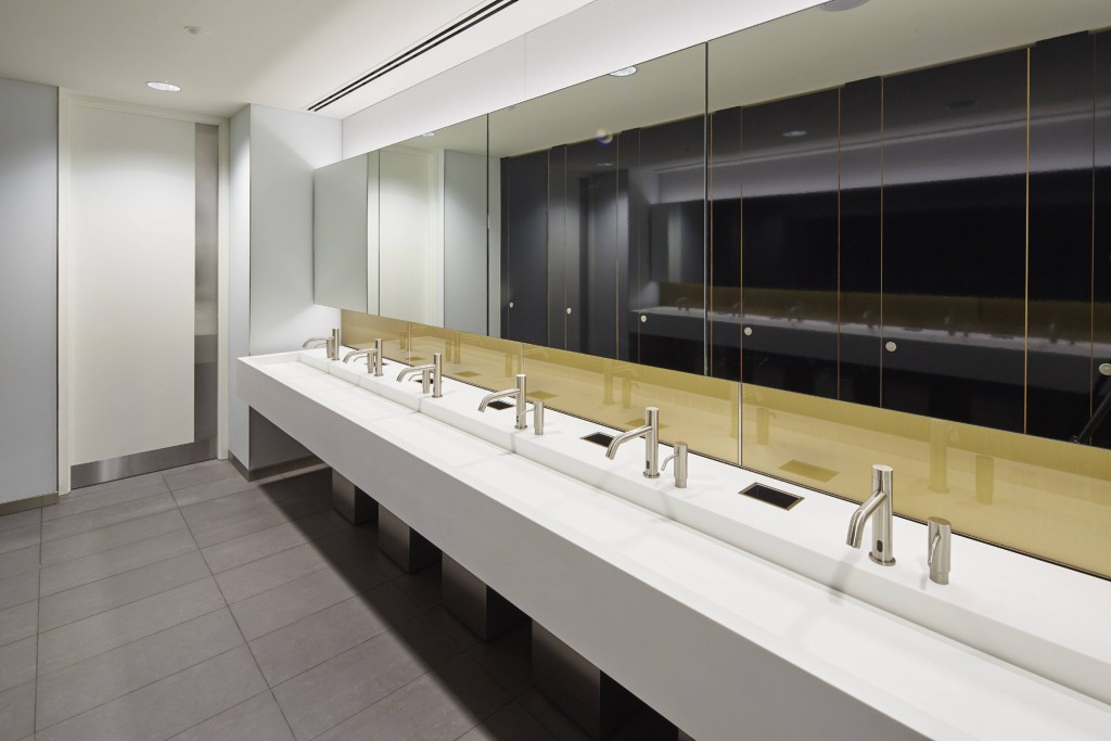 Commercial washroom in Broadgate Quarter, by Maxwood