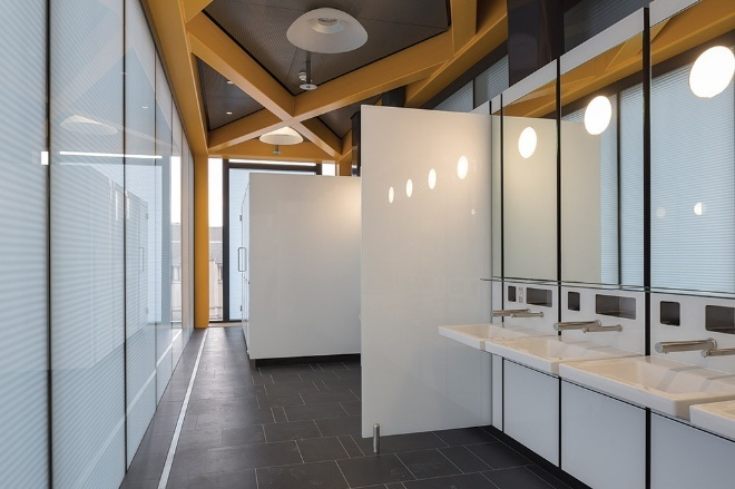Leadenhall building high-spec office washroom